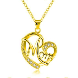 $enCountryForm.capitalKeyWord Australia - Mom Love Heart Crystal Pendant Necklace Contrast Color Cubic Zirconia Letters Necklace for Mother MUM Mom Birthday Day Jewelry Gift