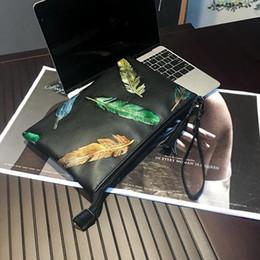 $enCountryForm.capitalKeyWord Australia - Factory direct brand men bag street trend color leaf printing hand grip bags new printed leather envelope bag fashion slung shoulder bag