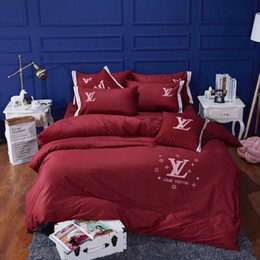 Christmas Bedding Luxury NZ - Luxury classic embroidery Signage L brand bedding set 4 piece 1 set Creative New arrival Christmas new Year family home fashion gift 2018