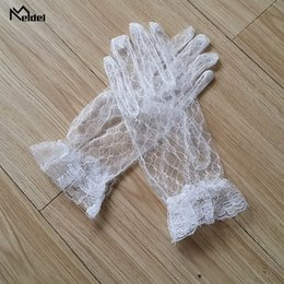 Wholesale 2019 New Summer White Black Red Gold Full Finger Wedding Gloves Stain For Bridal Evening Prom Wedding Accessories