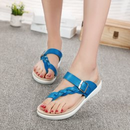 leather flip flops Canada - Women Beach Flip Flops 2019 Summer Flat Shoes Woman Slip On Slippers Knitted Style Female Rome Sandals PU Leather Ladies Slides