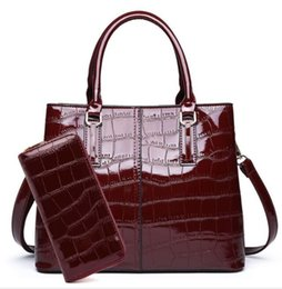 d081f9923c93 2019 High quality women European fashion brand new Crocodile pattern PU  Leather MOTHER AND SON sets handbag shoulder bag tote purse HL36