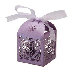 Chinese  Candy Boxes Love Heart Hollow Carriage Baby Shower Favors Box Gifts Party Favor Holders With Ribbon Wedding Party Supplies manufacturers