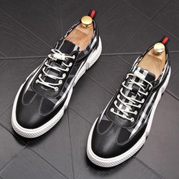 Spring Fall Canvas Shoes Australia - 2019 spring white shoes men's casual shoes Korean version of the trend canvas wild breathable Lok Fu shoes
