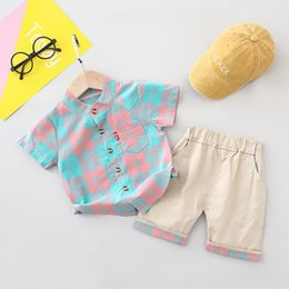 Wholesale new fashion t shirts for boys online – design Children clothing boys summer clothes sets new kids fashion splice plaid t shirts short pants suits for T boy