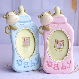 Framed shower online shopping - Monkey Resin Photo Frame Feeding Bottle Shape Baby Shower Favors Blue Pink Children Room Bedroom Ornament Hot Sale mlD1