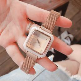 Опт Роскошные модные женские часы сетчатый ремешок модный тренд серебро розовое золото ремешок женские дизайнерские часы ремень коробка бесплатная доставка A3-1