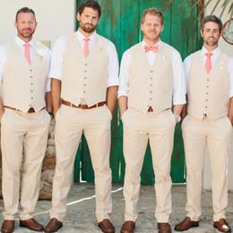 32565fd599b87 Tuxedos de mariage sur la plage Beige Été Groomsmen Hommes Slim Fit Formel  Noir Couple Prom Party Pink Deux Pièces Suit (Gilet + Pantalon + Cravate)