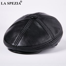 3e9396a8ee5 LA SPEZIA Black Berets For Men Thick Warm Driving Cabbie Cap Male Genuine  Leather Winter Retro Artistic Caps Vintage Flat Hats