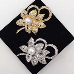 $enCountryForm.capitalKeyWord NZ - Elegant Women Crystal Pearl Flower Bouquet Corsage Gold Silver Brooch Pins Party Jewelry Suit Coat Accessories