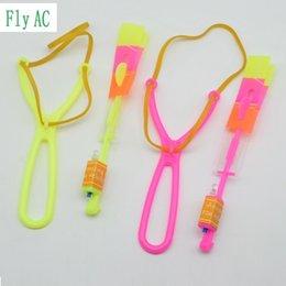 Amazing Helicopter Arrow Toy UK - Novelty Gag Toys Luminous Toys 50Pcs or 100pcs Amazing LED Light Arrow Rocket Helicopter rotating Flying Toy Party Fun Gift Blue light