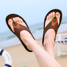 $enCountryForm.capitalKeyWord Australia - 2019 fashion designer sandals Leather flip-flops causal Non-slip summer huaraches slippers flip flops slippers summer outdoor beach slippers
