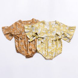 China 2019 Ins Baby girl clothing Floral Rompers Jumpsuit Flare sleeve Bows Sweet Infant clothes 100%cotton Yellow Summer cheap sweet brown clothing suppliers