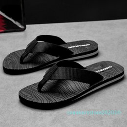 male massage UK - Mazefeng Male Slipper Summer Fashion Massage Slippers Men Breathable Flip Flops Leisure Style Non-slip Beach Shoes 39-45 s10