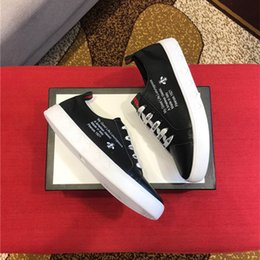 Spring Fall Canvas Shoes Australia - 2018 new spring summer Men's casual shoes breathable fashion men canvas shoes man flats Size 39--44