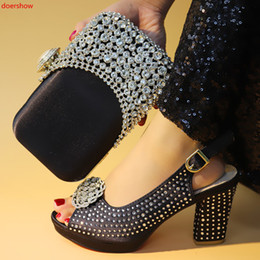 Italian Office Shoes Designs Australia - Wedding Shoe and Bag Set Women Shoes and Bag Set In Italy Design Italian Shoes with Matching Bag Set Decorated with Stone XN1-16