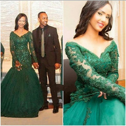 Discount cheap emerald prom dresses - Modest Emerald Green Mermaid Evening Gowns Plus size 2019 V neck With Long Sleeves Lace Tulle Beading Sequined Cheap Pro