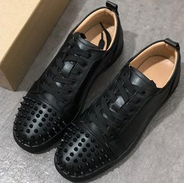 $enCountryForm.capitalKeyWord NZ - High quality fashionable flat shoes,Luxury designer rivet hydraulic drill casual shoes,elegant men and women with low collar lacing casual