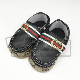 Wholesale Designer Baby Shoes Infant Toddler Baby High Top Ankle Sneakers Cotton Walking Shoes Kids Prewalkers Months Baby Boots Gifts
