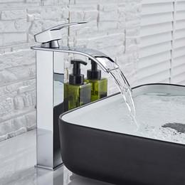 Rubinetto per lavabo quadrato a cascata con rubinetto per lavabo Miscelatore per bagno Miscelatore monocomando con beccuccio largo Rubinetto per lavandino Rubinetto per acqua calda in Offerta