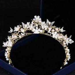 $enCountryForm.capitalKeyWord Australia - Beautiful Hand Made Crystal Wedding Crowns And Tiaras Rhinestone Headpieces Bridal Girls Women Proms Evening Brithday party Dress Headbands
