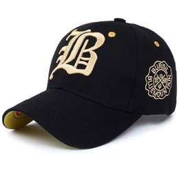 57ab47fc011 Fashion Embroidered Baseball Caps for Men Women Hip Hop Summer Adjustable  Outdoor Shading Breathable Snapback Sunscreen Hat