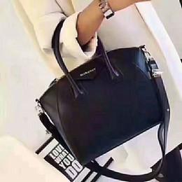 Toptan satış 2019 Yeni Kadın Tasarımcı moda Çanta sırt çantası bayanlar omuz çantası Tote çanta cüzdan Bagaj çantası 002