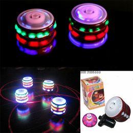 NUEVO Flashing Light Music UFO Gyro, Flash Gyro, Juguete brillante, Música Fidget spinner Gyro rotar dos minutos, Regalos creativos W81TS en venta