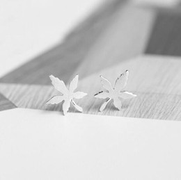 silver plants NZ - Antique Silver Maple Leaf Ear Studs for Women Lady Girls Gift Lucky Plant Jewelry Alloy silver Elegant Maple Leaf Ear Studs