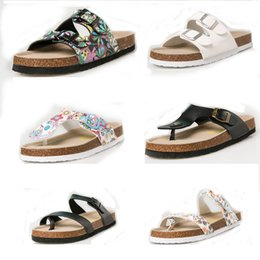 Eva clog shoE online shopping - Designer Clogs Flip Flops men women Summer slippers Flats Sandals Antiskid Slippers Beach Shoes unisex casual shoes print mixed colors flip