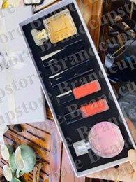 Chinese  New Famous Perfume Makeup Sets 2pcs Perfume+ 4pcs Lipstick With Box 6 in 1 Set perfume 6pcs DHL Free Ship manufacturers