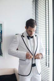 $enCountryForm.capitalKeyWord Australia - Custom Made White Slim Fit Skinny 2 Piece Classic Wedding Tuxedo Gentle Blazer Terno Masculino Trim Men Business Suit