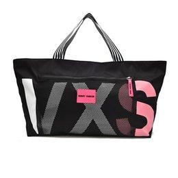 Женские дорожные сумки 2018 Мода Большой емкости Водонепроницаемый Багаж Баскетбольная сумка Повседневная сумка Сумка Выходные поездки Турист на Распродаже