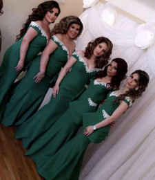 $enCountryForm.capitalKeyWord Australia - Hunter Green Mermaid Off The Shoulder Bridesmaid Dresses Appliqued Country Maid Of Honor Gowns Floor Length Peplum Wedding Guest Dress