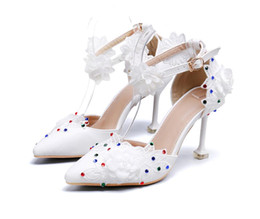 Chinese  2019 New spot euramerican original single shoes white lace flower color diamond tip shape with shoes banquet wedding shoes manufacturers