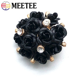 $enCountryForm.capitalKeyWord Australia - Meetee 20mm Sewing Accessories DIY Coat Sweater Clothing Decoration Craft Alloy Rhinestone Rose Jeans replacement Button BD357