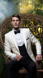 beige suits Australia - Latest Design Beige Jacket Black Pants Men Wedding Suits Slim Fit 3 Piece Tuxedo Groom Style Suit Custom Prom Blazer Masculino