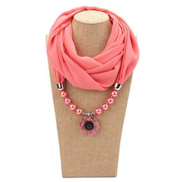 gold flower design pendant for necklace UK - Multicolor trendy unique statement necklace Scarf of strand Pendant Flower Design Scarf necklace for women fashion scarfs gift