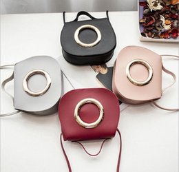 $enCountryForm.capitalKeyWord Canada - Cross body Bag Women pu Big Circle Hasp Shoulder Bag 4Colors Girl fashion large capactiy Handbag