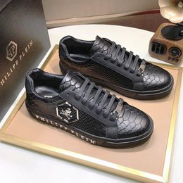 Опт Мужская обувь Кроссовки Luxury Lo-Top Кроссовки Шпильки Zapatos Hombre Модная обувь Мужская обувь Кожа большого размера с оригинальной коробкой Спортивный стиль