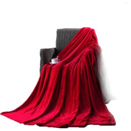 China Polyester Blanket Red Orange Yellow Solid Warm and Portable Color Bed Cover Knee blanket Soft and Comfortable Flannel 4 Size cheap solid red queen size bedding suppliers