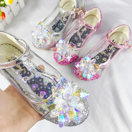 $enCountryForm.capitalKeyWord Australia - girls Designer Princess shoes baby Sandals kids Summer Fashion Soft Bottom Lightweight Comfortable Nonslip Crystal Glass White Pink Single s