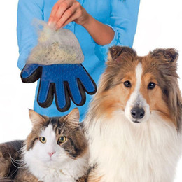 Nuova spazzola di pulizia dell'animale domestico Pettine del cane Guanto in silicone Mitt di bagno Pet Dog Cat Massage Depilazione Grooming Magic Deshedding Glove in Offerta