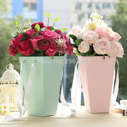 bucket handles wholesale NZ - 100pcs Flower Packaging Boxes Vase Flowers Kraft Paper Boxes With Handle Hug Bucket Florist Gift Packaging Matrials