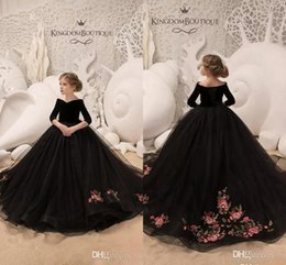 Floor length pageant dresses online shopping - Newest Balck Arabic Style Flower Girl Dresses Vintage Off Shoulder Long Sleeves Pageant Dresses Formal Girl Dresses For Wedding BC0007