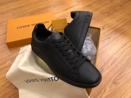 Quality Lace Luxury NZ - 2019 Designer for men Mesh lace up sneaker black color Luxury shoe shiny effect outsole casual shoes top quality brand shoes box