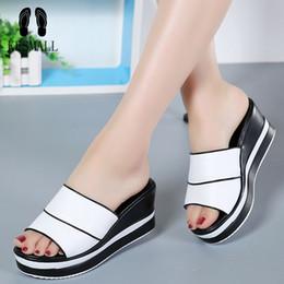 $enCountryForm.capitalKeyWord NZ - KESMALL Summer Women Slippers Ladies Genuine Leather Thick Heel Wedges Slippers Women Black White Flip-Flops Slides Sandals