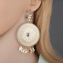 $enCountryForm.capitalKeyWord NZ - Charm Earrings For Women Vintage Flower Pattern Cabochon Brincos Jewelry Hollow Wedding Earrings E2