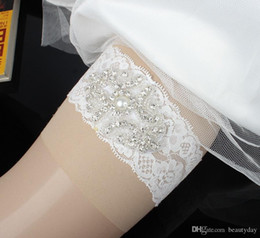 $enCountryForm.capitalKeyWord Australia - Plus Size Wedding Bridal Garter Handmade Flower Rhinestones Pearls Lace Vintage Wedding Bridal Leg Garters 2017 Bow Cheap In Stock