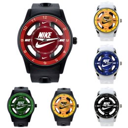Gift Sets For Mens Australia - Hot sale high quality Luxury mens watches women watches brand designer watch Silicone strap Wristwatch sports watch for gift